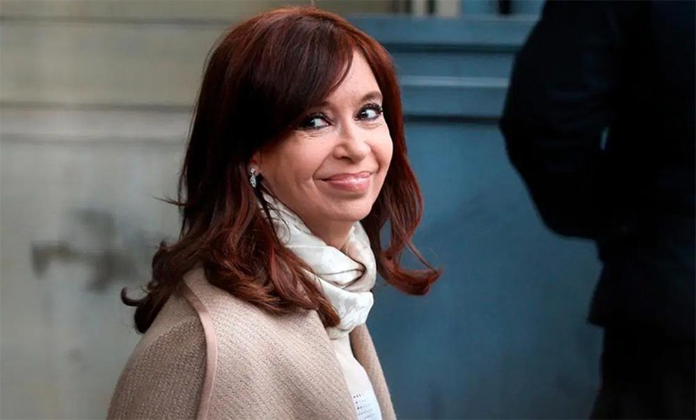 Revocan el procesamiento de Cristina Kirchner y de un empresario en un tramo de la causa de los cuadernos