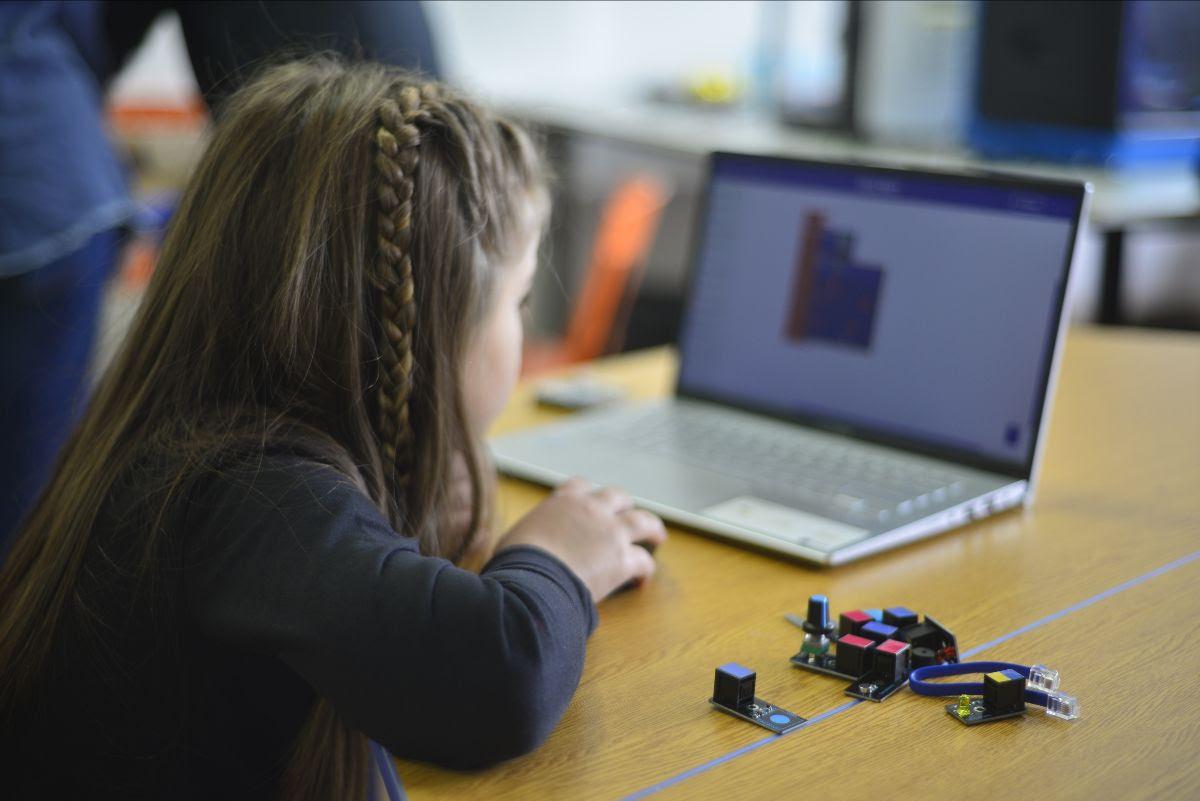 Educabot lanza Aula en Casa, aplicación 100% gratuita y segura para dar clases en vivo