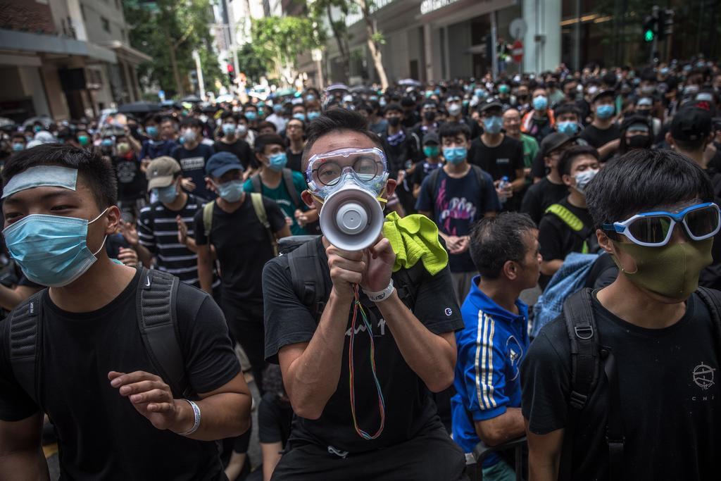 Resurgen las protestas en Hong Kong después de semanas de confinamiento por el brote de coronavirus