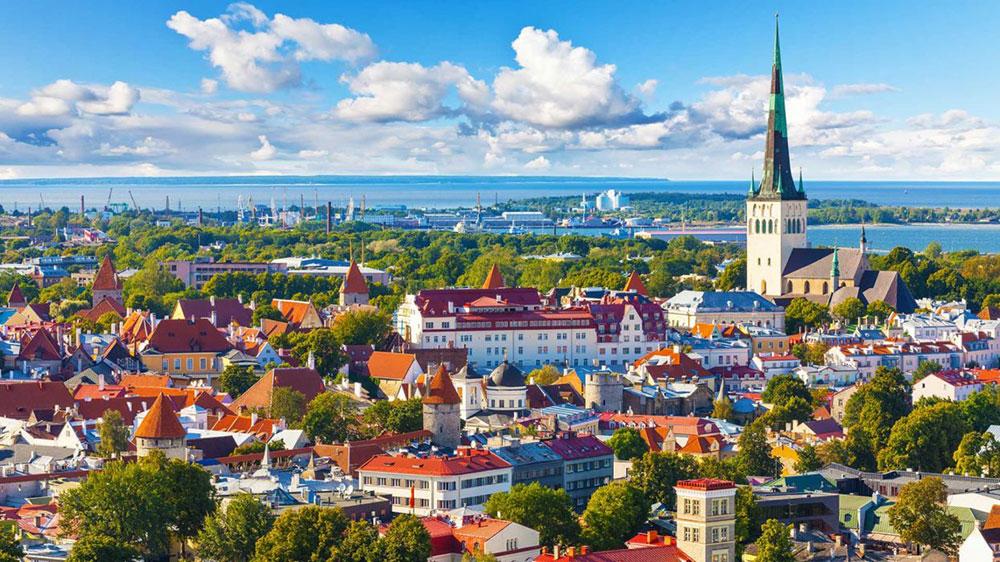Países bálticos declaran al coronavirus bajo control y reanudan los viajes entre ellos