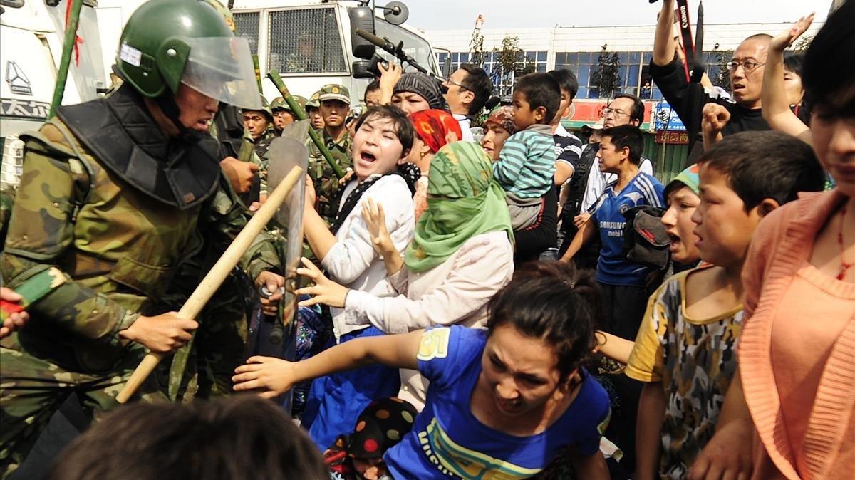 China veta a dirigentes de EEUU en respuesta a las sanciones por abusos a uigures en la provincia de Xinjiang