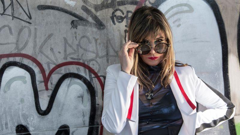 """Fabiana Cantilo ofrecerá su show denominado """"Ya sé que hacer con mi voz"""" vía streaming desde el Teatro Premier"""