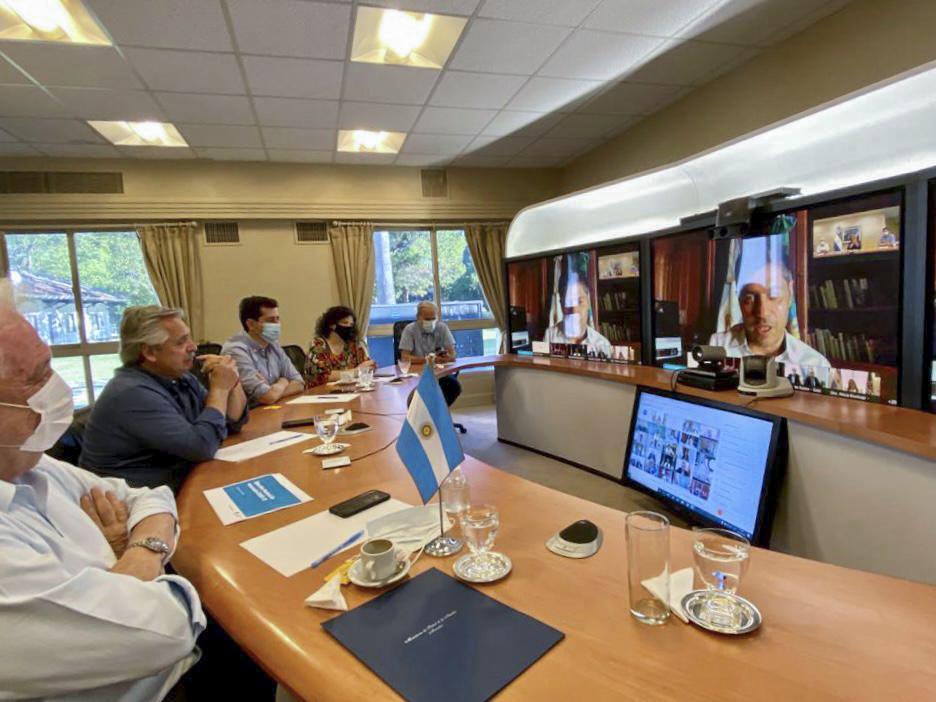 Alberto Fernández está reunido con los gobernadores para definir la campaña de vacunación