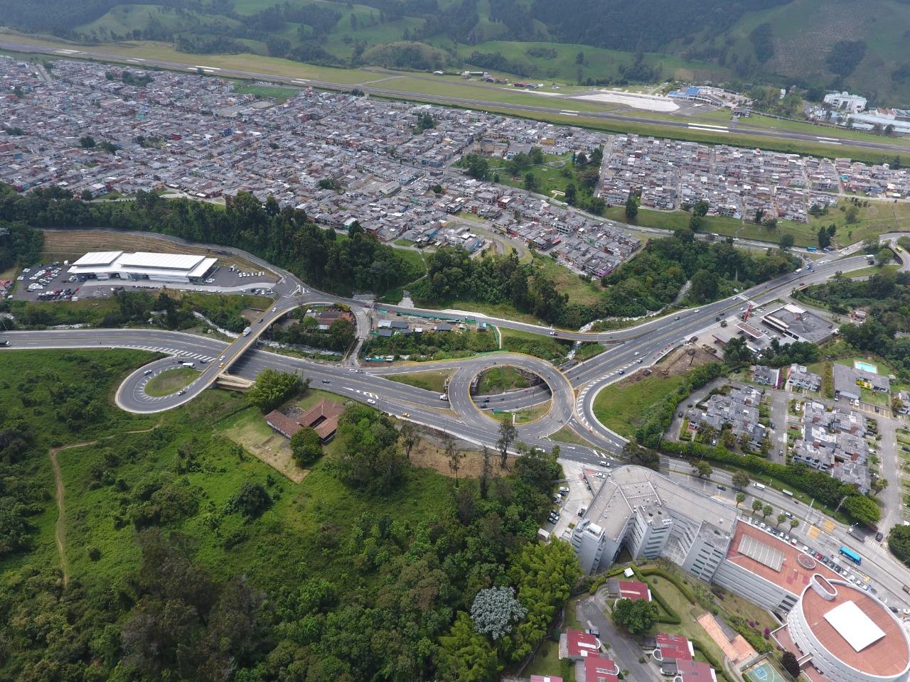 INVÍAS puso al servicio la Intersección San Marcel del corredor Honda-Manizales. 1