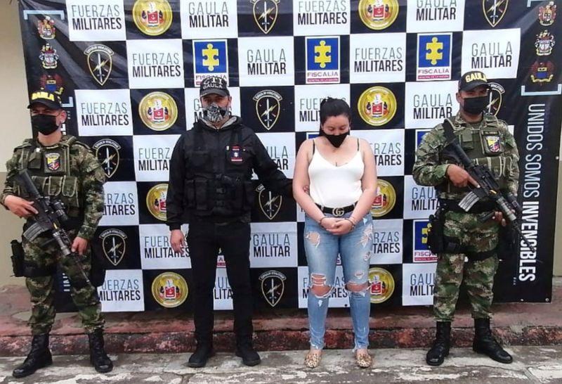 """A la cárcel mujer integrantes de la organización """"Los uniformados"""" por secuestro extorsivo a un ecuatoriano. 1"""