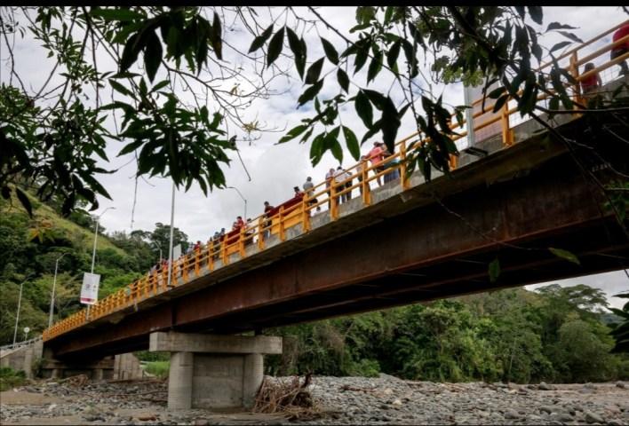 ¡Un sueño hecho realidad!. Gobernador Orozco inauguró puente de Gualanday Tolima. 2
