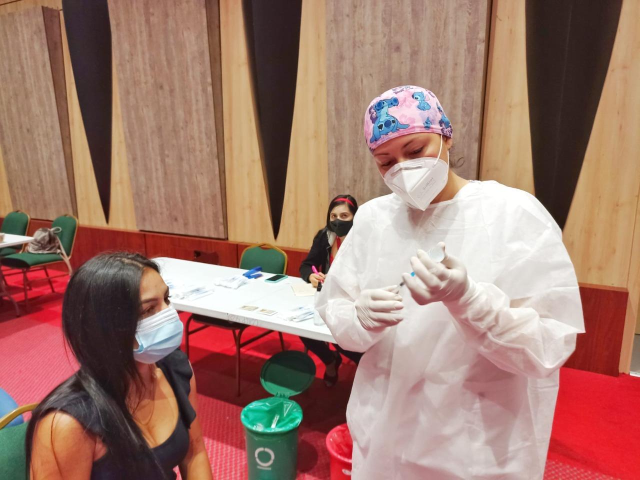 Ibagué inicia la Vacunación masiva contra el Covid19 a los jóvenes mayores de 25 años de edad. 1