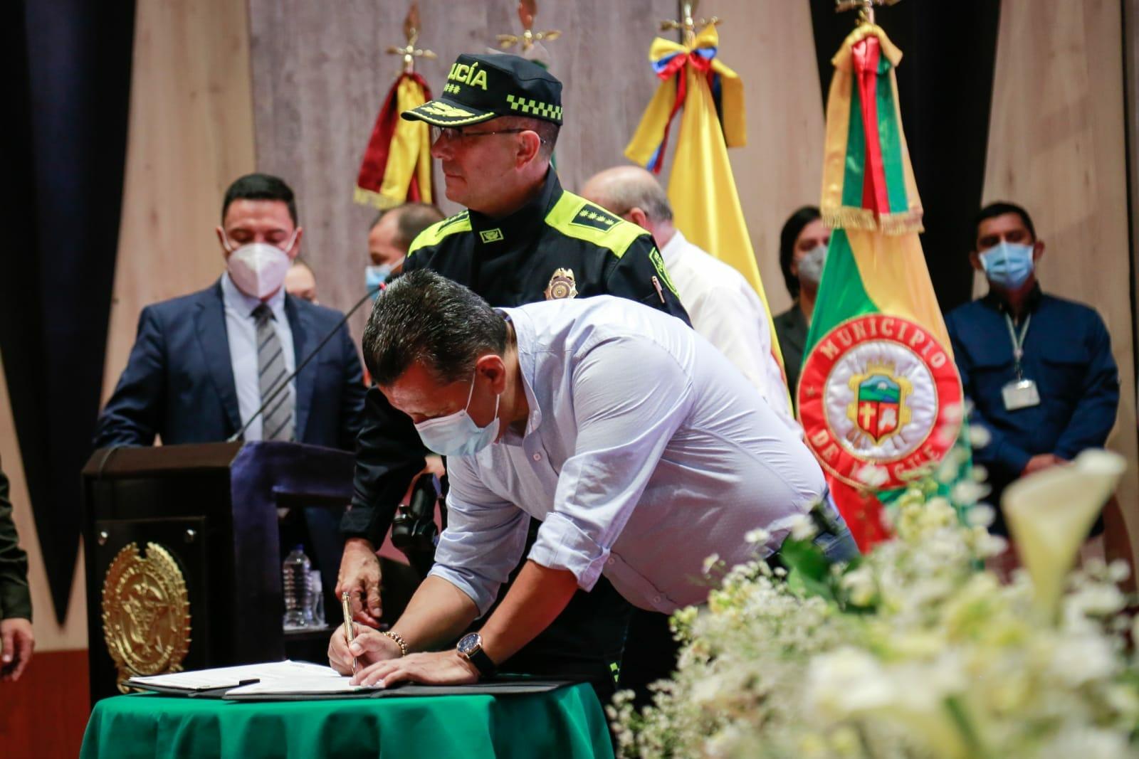 Listo el convenio para patrulleros que beneficiará a 600 jóvenes del Tolima. 1