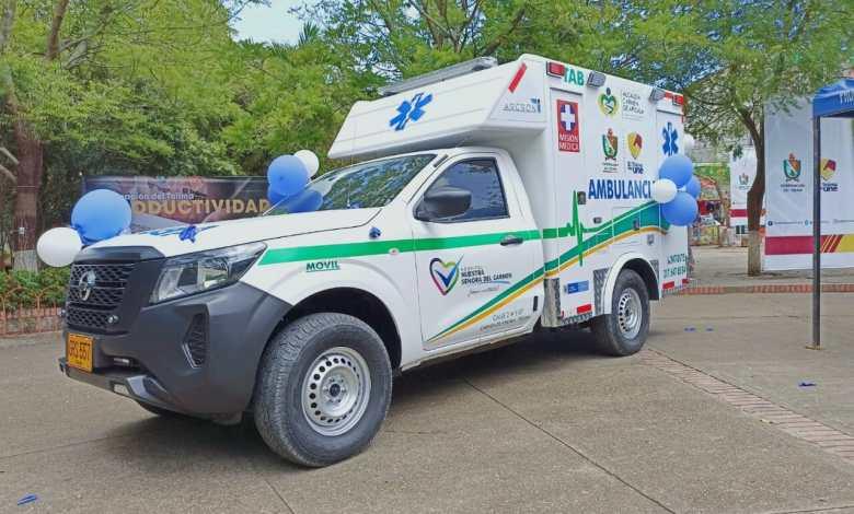 Carmen de Apicalá se sumó al grupo de hospitales que estrenan ambulancia. 10