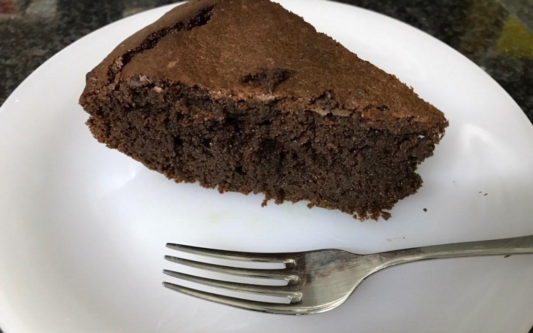 Dos recetas de pasteles de chocolate sin gluten y sin lácteos