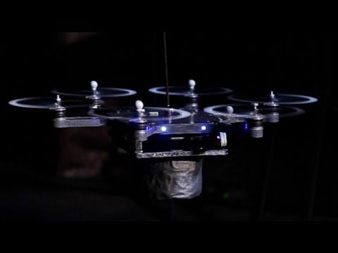Drons instrumentistes: Flying Robot Rockstars