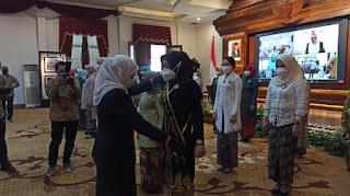 Bunda Khofifah Kukuhkan Bunda PAUD Kabupaten Kota Se-Jawa Timur