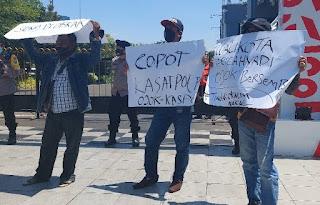 Dua Oknum Satpol PP Surabaya Hajar Tukang Parkir, Warga Demo Menuntut Agar Dipecat dan Proses Pidana