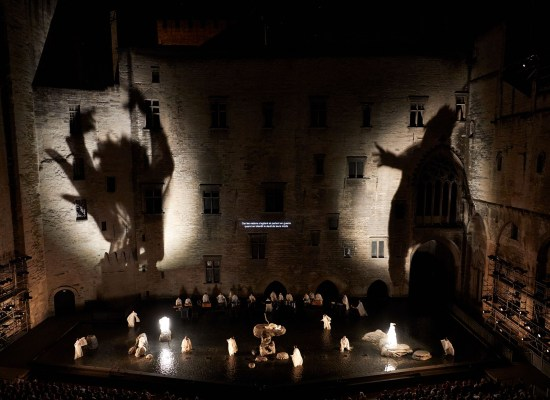 ANTIGONE | Satoshi Miyagi | 71ème édition du Festival d'Avignon 2017 © Christophe Raynaud De Lage