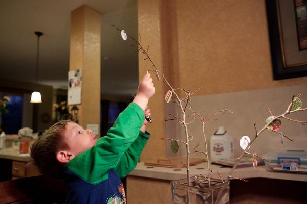 20111116 1117 thankfulness tree 7