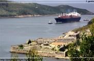 Metanero Galicia Spirit en el canal de entrada a la ría de Ferrol - Castillo de San Felipe - 08-07-2009 - F. Goiriz (Large)