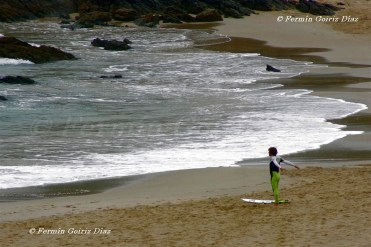 Precalentamiento do Surfeiro - Surfer - Surfero - Playa de Pantín (Valdoviño) - Galicia - fotografía por Fermín Goiriz Díaz (3)