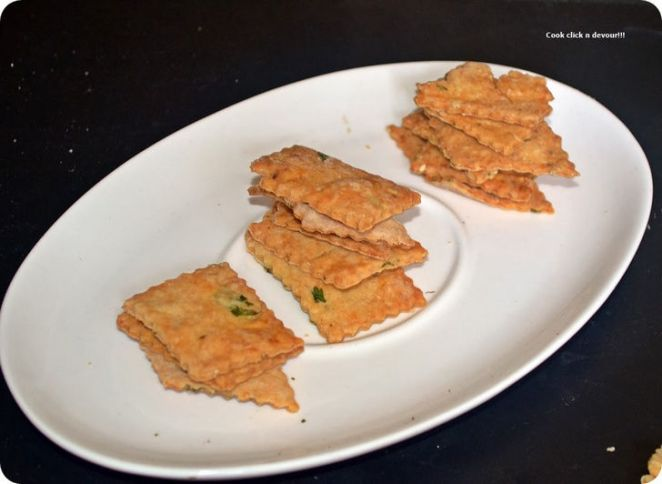 Masala Crackers Recipe.