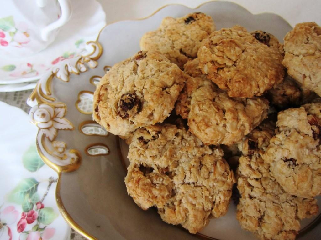 walnut & raisin oatmeal cookies