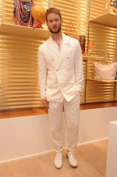 total look - total white Vuitton