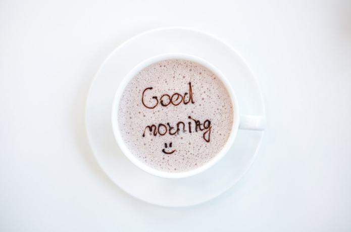 un café, un chocolat, la routine exquise du quotidien