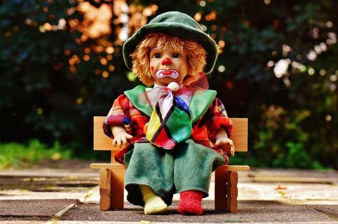 """ou coulrophobie, jouet enfant pour illustrer cette peur répandue et accentuée par le film """"ça"""" adaptation du roman de Stephen King."""