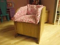 """Coussins de canapé et fauteuil """"Made by Mamie E.""""."""