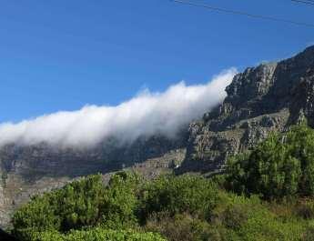 Tafelberg in Kapstadt mit Wolkendecke