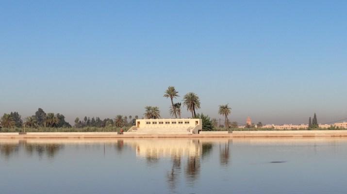 Das große Wasserreservoir im Menara-Garten