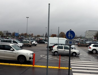 Parkplatz P2 am Flughafen Schönefeld