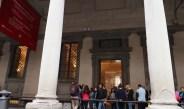 Besucher kurz vor dem Ziel: Eingang zu den Uffizien in Florenz