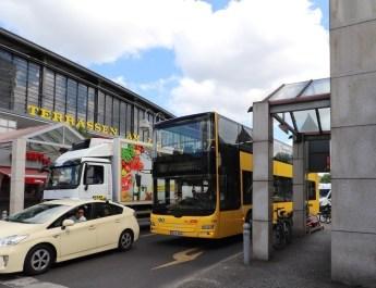 Die Buslinie 100 startet am Zoologischen Garten