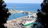 Blick vom Castell auf den Hafen von Barcelona