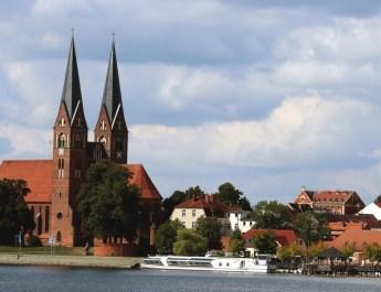 Die Kirche St. Trinitatis ist das Wahrzeichen von Neuruppin