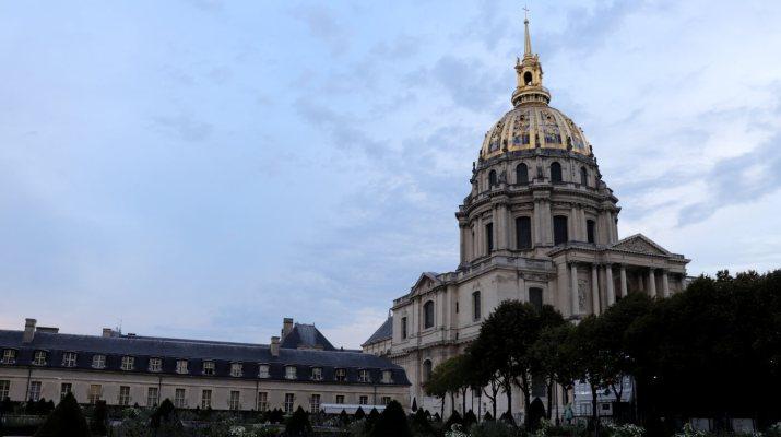 Im Invalidendom befindet sich das Grab von Napoleon