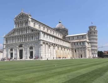 Der prunkvolle Dom in Pisa war Vorbild für etliche Kirchenbauten in der Toskana
