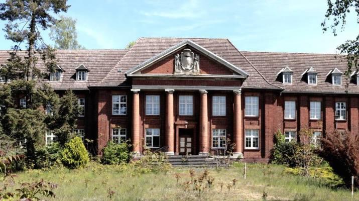 Die imposante Hauptverwaltung der einst Königlich-Preußischen Pulverfabrik