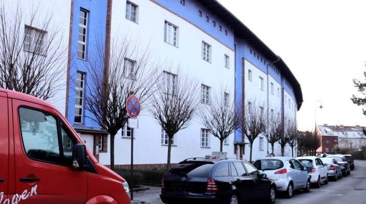 Die Häuser bilden ein Hufeisen in der Siedlung in Britz