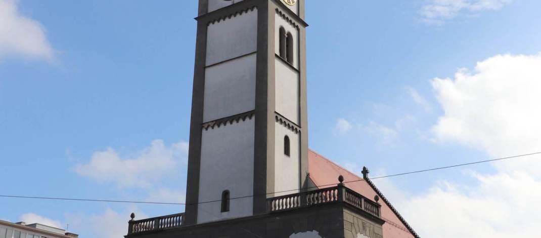 Der Perlachturm ist ein Wahrzeichen von Augsburg