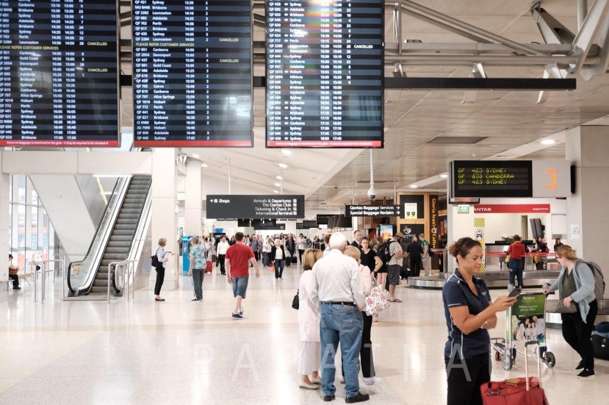メルボルン空港到着ゲート付近