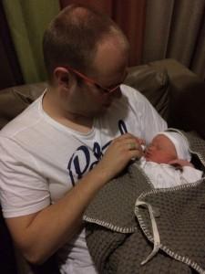 Papa met Mirthe in het ziekenhuis