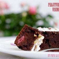 Prăjitură cu cacao, vișine și nucă...