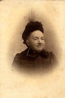 "Olympe MAILLET-LANDRIEU (x 1) 1839-1910 ""La Vierge"""