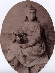 1898 - Gabrielle FISCHER avant son mariage avec Marcel LANDRIEU (57)