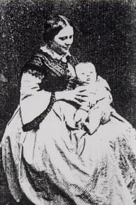1863 - Aurélie LEVOIR-LANDRIEU (x 4) et sa fille Louise (41)
