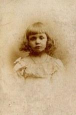 1893 - Anne-Marie DUPONT (211) à 3 ans et demi