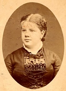 # 1883 - Gabrielle LANDRIEU (22)