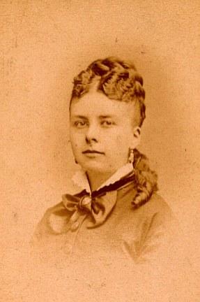 Mathilde MAILLET, épouse d'Emile MAILLET, frère d'Olympe MAILLET (x 1)
