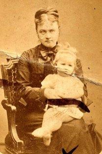 1869 - Stéphanie LETELLIER (x 5) et Madeleine LANDRIEU (52)