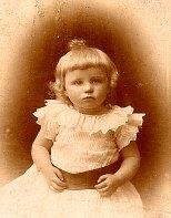 Mai 1892 - Renée (Ninette) BATAILLE (521)